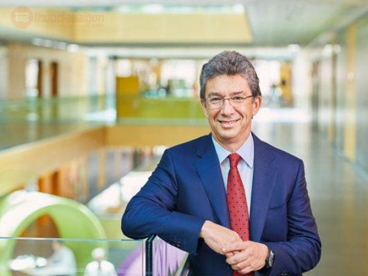 André-Calantzopoulos---Giám-đốc-điều-hành-Philip-Morris-International
